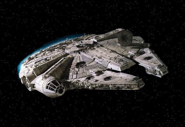 Легендарный корабль «Тысячелетний сокол»: фото со съёмок фильма «Звездные войны: Эпизод 7»