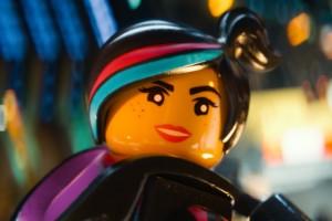 Больше девушек в «Лего 2»