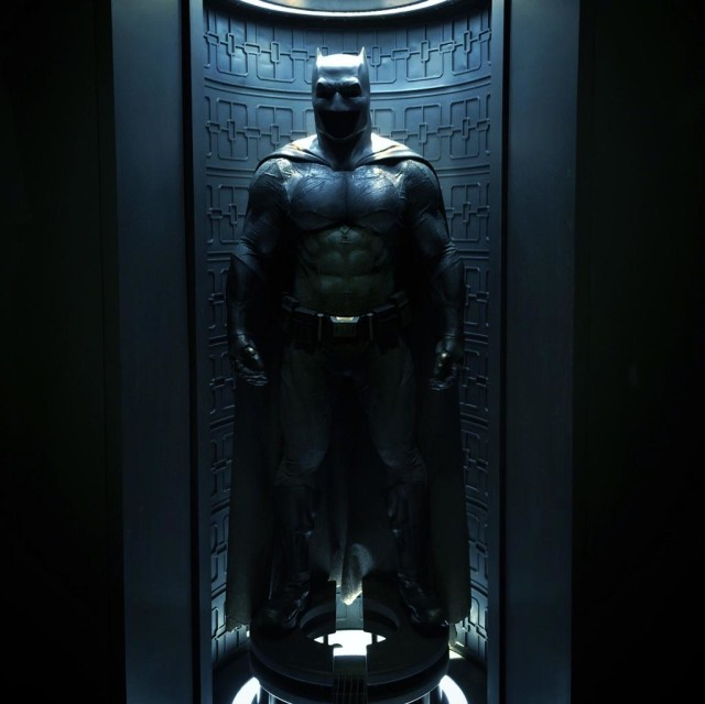 batman-v-superman-bat-suit-1-1